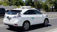 Hier holt sich Waymo Hilfe für seine Roboterautos