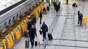 Lufthansa-Flugbegleiter streiken ungebremst weiter
