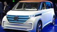 Der elektrische Prototyp Volkswagen BUDD-e ist auf der Technik-Messe CES in Las Vegas zu sehen.
