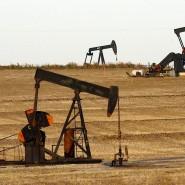 Ölpumpen auf einem Feld bei Ponca City im amerikanischen Bundesstaat Oklahoma