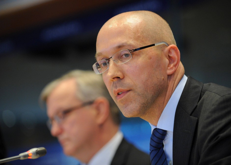 EZB-Ratsmitglied Jörg Asmussen legt Wert darauf, dass die EU-Staaten ihre Sparauflagen einhalten, wenn die EZB ihnen hilft.