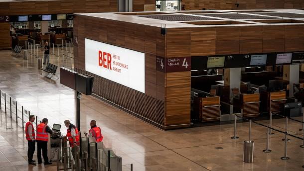 Berliner Flughafenbetreiber will jede fünfte Stelle streichen