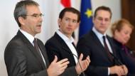 Ein Geschenk für die Steuerzahler? Finanzminister Hartwig Löger (ÖVP, links) und Bundeskanzler Sebastian Kurz (ÖVP) wollen am 30.4.2019 die Details der geplanten Steuerreform vorstellen.