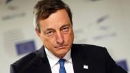 """Die neue Waffe heißt TLTRO: Die """"Dicke Bertha"""" hatte Mario Draghi nicht genügt."""