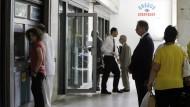 EZB gewährt griechischen Banken Gnadenfrist