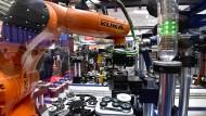 Auf der Hannover Messe zeigt der Roboterhersteller Kuka, was er zu bieten hat.