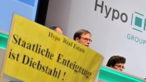 HRE-Aktionäre protestieren gegen Ausschluss