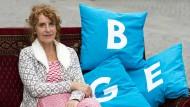Susanne Wiest macht Wahlkampf für das Grundeinkommen