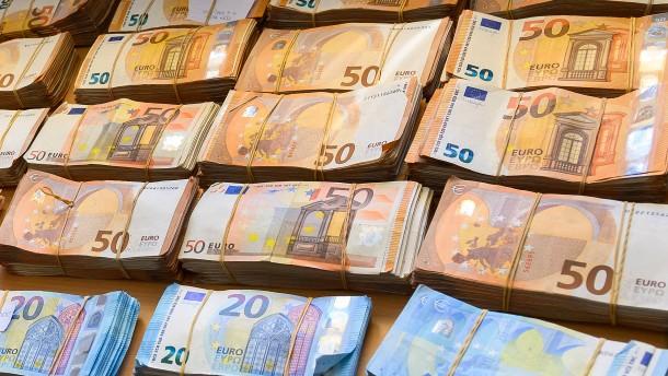 Die Deutschen sind 393 Milliarden Euro reicher