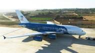 Das portugiesische Unternehmen Hifly vermietet einen Airbus A380 mit Korallenmotiv.