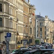 Viele träumen von den eigenen vier Wänden. Gern im sanierten und sündhaft teuren Großstadt-Altbau.
