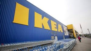 Die Deutschen kaufen und kaufen bei Ikea