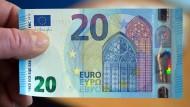 Neuer Zwanziger soll Geldfälschern die Arbeit erschweren