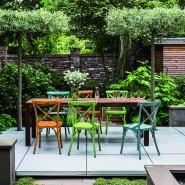 Rezept für wenig Raum: Klare Linien, nicht zu viele Materialien und kein wilder Pflanzenmix zeichnen diesen Stadtgarten aus.