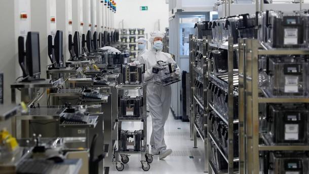 Arbeitnehmer wenden sich an Kernaktionär von Osram-Interessent AMS