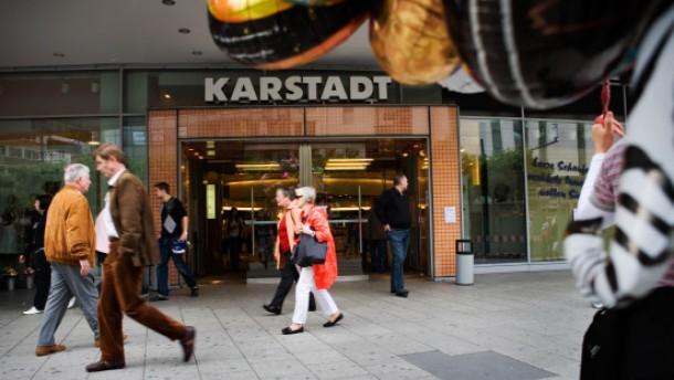 Karstadt-Interessent stellt harte Forderungen