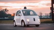 Google-Auto von der Polizei angehalten