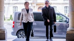 Peugeot bekräftigt Zusagen an Opel-Mitarbeiter