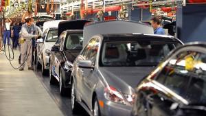 Daimler baut Werk in Russland