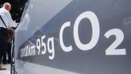 Erste deutsche Fahrerin verklagt Volkswagen