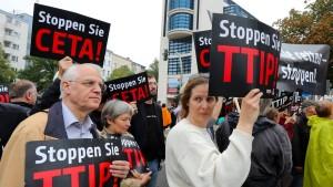 Neue EU-Kommissarin bereit zum Kurswechsel beim Freihandel