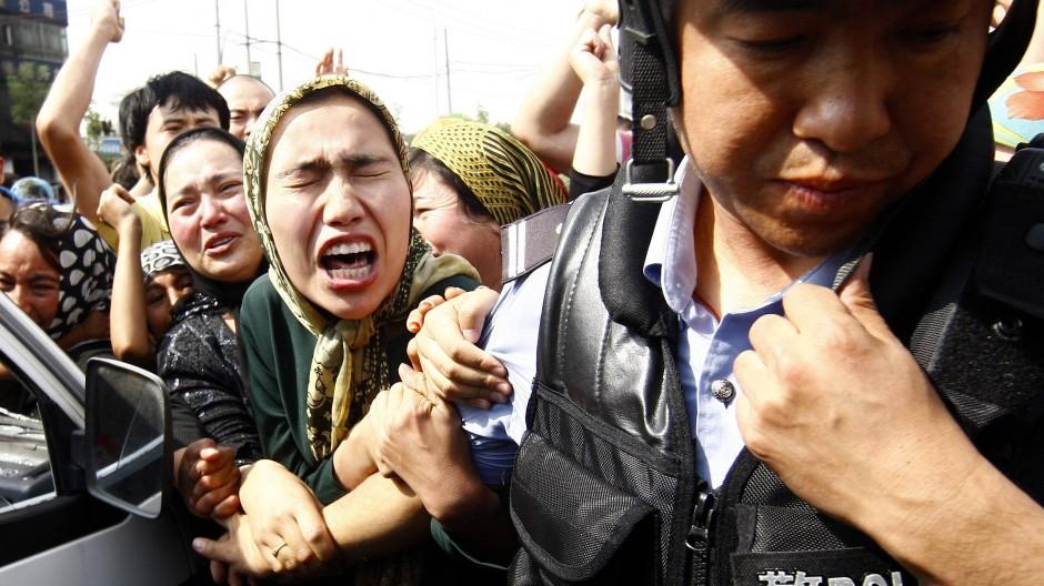 Ein großer Streitpunkt ist der brutale Umgang Chinas mit den Uiguren.
