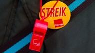 Die Streiks verlagern sich zunehmend in die dienstleistenden Branchen.
