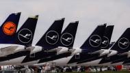 Flugzeuge am Boden