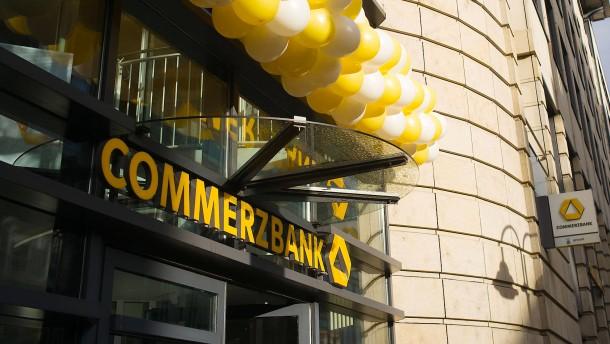 Drei große Bieter für Commerzbank-Sparte