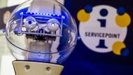 L2B2 heißt der Service-Roboter der Stadt Ludwigsburg.