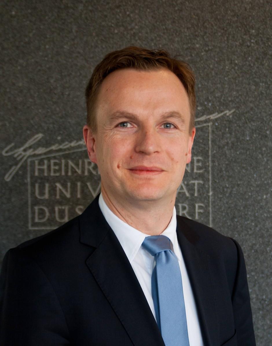 Wie können abgehängte Regionen wieder den Anschluss finden? Jens Südekum ist Professor für Internationale Volkswirtschaftslehre und hat Antworten.