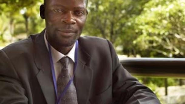 """James Shikwati: """"Entwicklungshilfe sofort einstellen"""""""