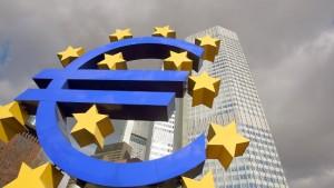Banken vergeben erstmals weniger Kredite