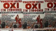 """Eine Plakatwand der """"Nein""""-Sager des Referendums am kommenden Sonntag in Athen."""