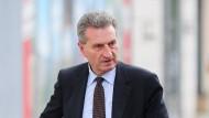 Günther Oettinger vor der CDU-Zentrale in Berlin