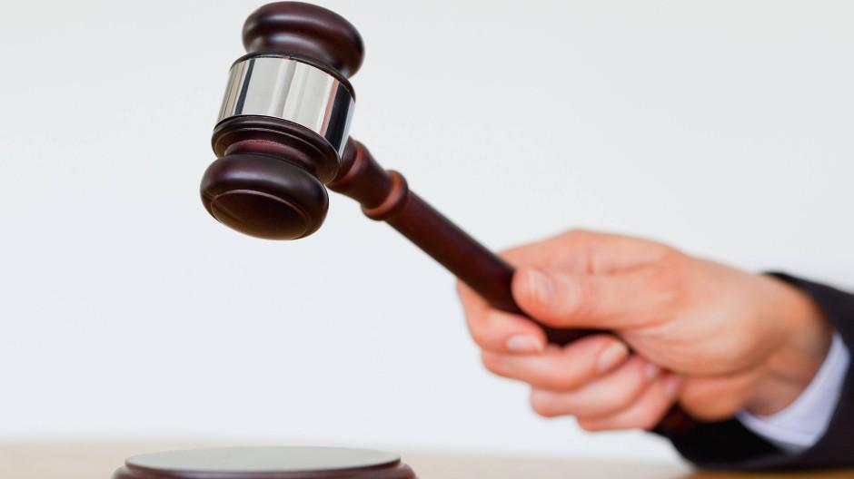 Wer vor einem ostdeutschen Gericht klagt, muss unter Umständen wesentlich länger warten.