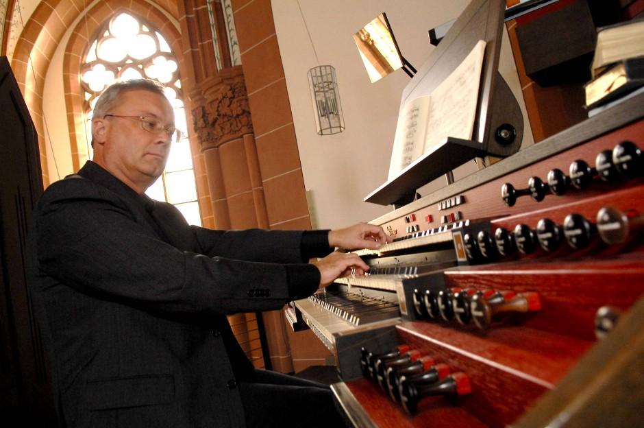Der Staatsphilosoph Depenheuer ist auch ein bekannter Organist.