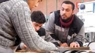 Thyssen-Krupp bildet Flüchtlinge aus
