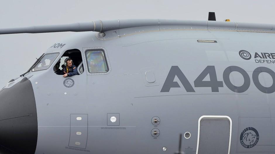 Auch um das Airbus-Militärflugzeug A400M gab es in der Vergangenheit schon Ärger.