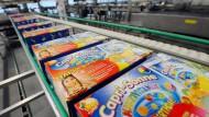 Früher noch Capri-Sonne, heute als Capri-Sun zu finden: Die kleinen, kultigen Trinkbehältnisse aus Eppelheim bestehen noch immer komplett aus Plastik. Das führt spätestens 2021 zu Problemen innerhalb der EU.