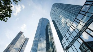 Deutsche Bank hat hohen Derivatebestand