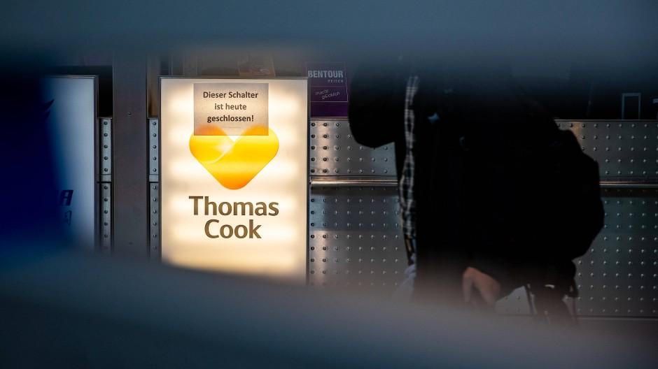 Thomas-Cook-Informationsschalter am Düsseldorfer Flughafen