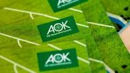 Gesundheitskarten der AOK: Die Allgemeinen Ortskrankenkassen erzielten im vergangenen Jahr am meisten Überschuss.