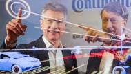 Vorstandsvorsitzender der Continental AG: Elmar Degenhart (links)