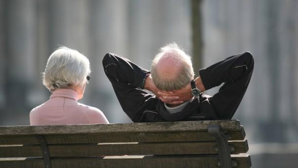 Arbeitgeber fordern Änderungen an Nahles Rentenplänen