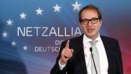 Verkehrsminister Alexander Dobrindt hat am Dienstag in Berlin Pläne zum Breitbandausbau bis 2025 im Rahmen der sogenannten Netzallianz vorgestellt.