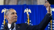 Boys and girls, it's me!! Präsident Obama kokettiert vor einer Schülerversammlung in Washington mit dem Selfie-Hype, nachdem er sich gebrüstet hat, die höchste Schulabschlussrate (83%) in der Geschichte erreicht zu haben.