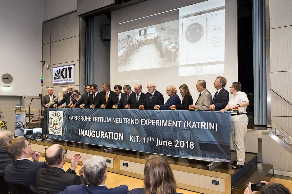 Fast 20 Jahre hat die Entwicklung und der Bau von Katrin gedauert. Am 11. Juni erfolgte der offizielle Startschuss für die Messungen.