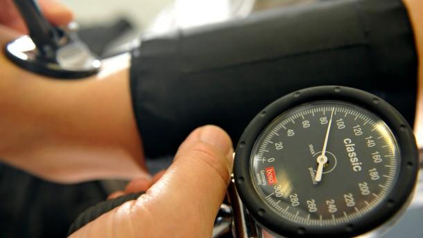 Mit dem Katheter gegen hohen Blutdruck