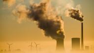 Dekarbonisierung, nur wann? Wann werden die letzten Kohlekraftwerke wie hier in Hohenhameln in Niedersachsen abgeschaltet?